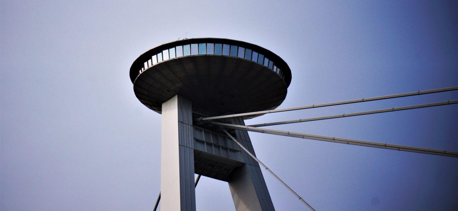 UFO – czyli o restauracji na szczycie mostu
