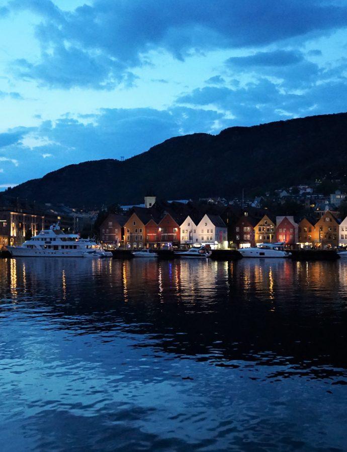 Na siedmiu wzgórzach piętrzy się… Bergen – czyli o najsławniejszym mieście Norwegii
