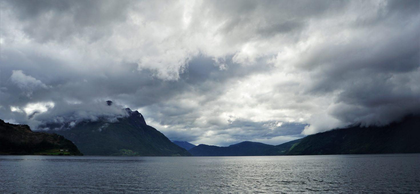 "Ikke stress and go fjords – czyli o Norwegii centralnej na dobry początek<h4><img src=""http://nastepnyprzystanek.pl/wp-content/uploads/2021/01/Kalendarz-ikona.png"" style=""width: 30px""> lipiec 2019</h4>"