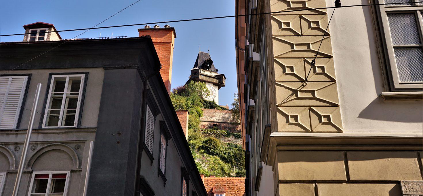 """Hasta la vista, baby! – czyli Graz, Muzeum Arnolda Schwarzeneggera, wieża widokowa naszczycie Pyramidenkogel iKlagenfurt (dzień3)<h4><img src=""""http://nastepnyprzystanek.pl/wp-content/uploads/2021/01/Kalendarz-ikona.png"""" style=""""width: 30px""""> wrzesień 2020</h4>"""