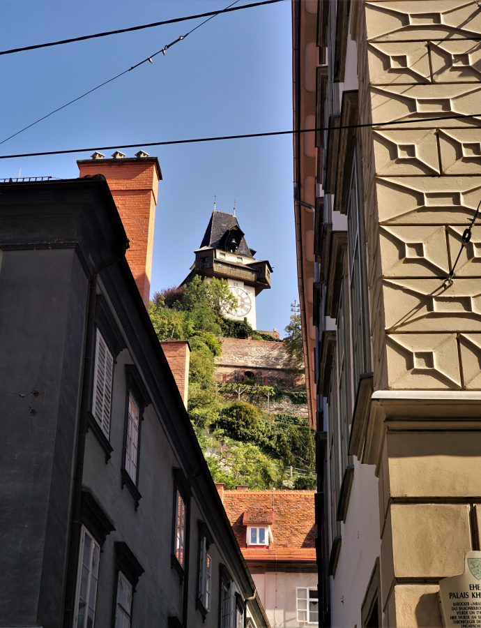 """Hasta la vista, baby! – czyli Graz, Muzeum Arnolda Schwarzeneggera, wieża widokowa na szczycie Pyramidenkogel iKlagenfurt (dzień3)<h4><img src=""""http://nastepnyprzystanek.pl/wp-content/uploads/2021/01/Kalendarz-ikona.png"""" style=""""width: 30px""""> wrzesień 2020</h4>"""