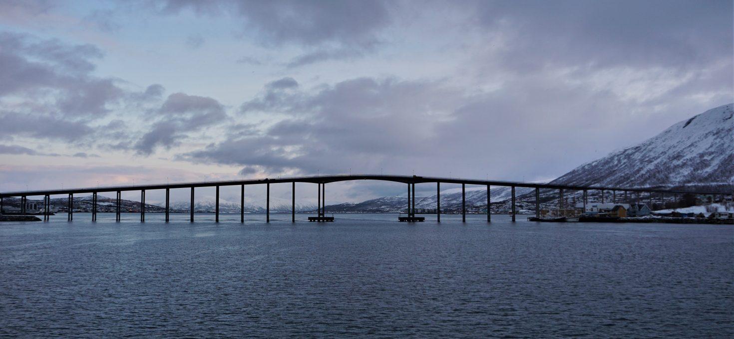"""CzyTromsø da się zwiedzić wjeden dzień? – czyli aktywny spacer po""""Bramie Arktyki""""<h4><img src=""""http://nastepnyprzystanek.pl/wp-content/uploads/2021/01/Kalendarz-ikona.png"""" style=""""width: 30px""""> luty 2020</h4>"""
