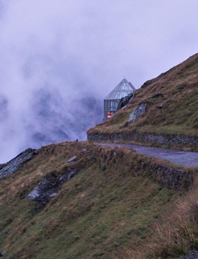 """Walczymy z ostrym cieniem mgły – czyli Lienz, Heiligenblut i Großglockner Hochalpenstraße (dzień6)<h4><img src=""""http://nastepnyprzystanek.pl/wp-content/uploads/2021/01/Kalendarz-ikona.png"""" style=""""width: 30px""""> wrzesień 2020</h4>"""