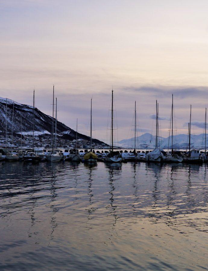 "Turystę poznasz po rakach – czyli o Tromsø na dobry początek<h4><img src=""http://nastepnyprzystanek.pl/wp-content/uploads/2021/01/Kalendarz-ikona.png"" style=""width: 30px""> luty 2020</h4>"