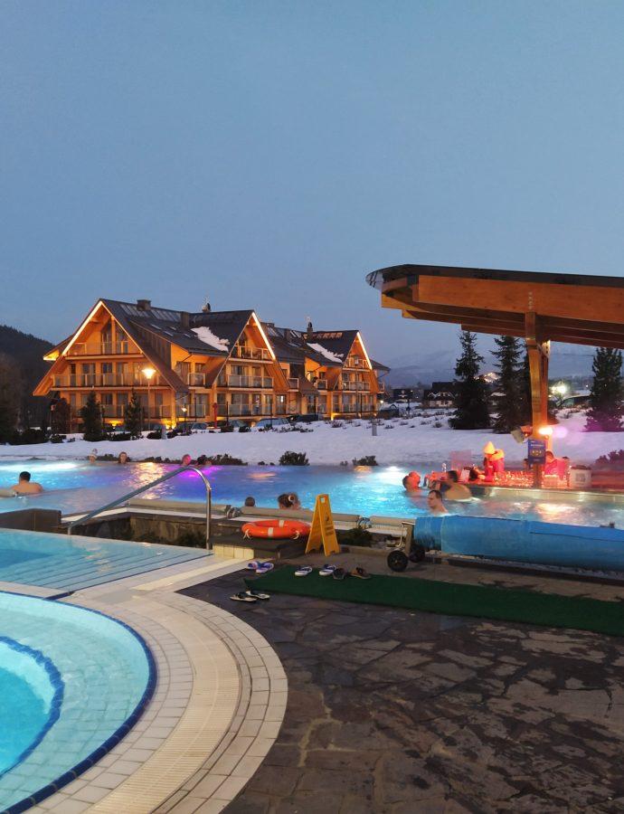 """Hotel Bania Thermal & Ski – Białka Tatrzańska<h4><img src=""""http://nastepnyprzystanek.pl/wp-content/uploads/2021/01/Kalendarz-ikona.png"""" style=""""width: 30px""""> luty 2021</h4>"""
